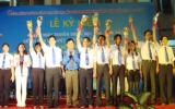 """Kỷ niệm 60 năm ngày truyền thống học sinh - sinh viên:3 sinh viên được tặng giải thưởng """"Sao tháng Giêng"""""""