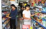 Hàng hóa thị trường tết: Hàng nội bao sân
