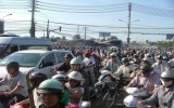 TP.HCM: ùn tắc giao thông kéo dài nhiều giờ liền