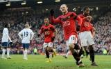 """Vòng 25 Premiership: """"Hủy diệt"""" Portsmouth, M.U lên ngôi đầu bảng"""