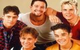 Robbie Williams và Take That tái hợp sau 15 năm