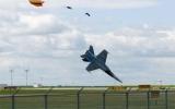Phi cơ chiến đấu nổ tung tại Canada