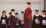 703 học sinh tốt nghiệp hệ trung cấp chuyên nghiệp - trường Đại học Bình Dương
