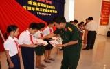 Quân Đoàn 4 tặng quà học sinh nghèo vượt khó huyện Dĩ An