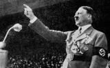 Nhà trường phải xin lỗi vì học sinh mặc giống Hitler