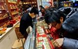 Dân Trung Quốc đổ xô đi mua vàng