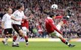 Liverpool - MU: Khó cho thầy trò HLV Alex Ferguson