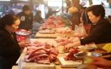 Vịn vào giá xăng, giá thực phẩm tăng chóng mặt