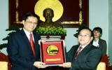 Lãnh đạo tỉnh tiếp Tổng lãnh sự Thái Lan Somchai Powcharoen