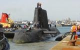 Nổ súng trên tàu ngầm Anh, 1 người thiệt mạng