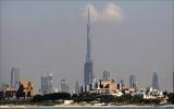 Nhảy tự tử từ tòa tháp cao nhất thế giới