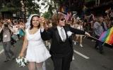 Mỹ: Người đồng tính mừng quyền kết hôn
