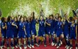 Nhật Bản lần đầu tiên đăng quang