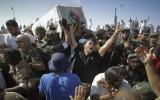 Thủ lĩnh phe nổi dậy Libya bị giết vì nghi phản bội