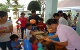 Thăm, tặng quà Trung tâm nuôi dạy trẻ em khuyết tật Quê Hương