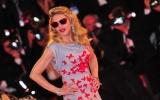 Phim của Madonna bị chê nặng nề tại LHP Venice