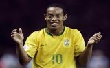 """Rô """"vẩu"""" trở lại tuyển Brazil"""