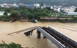 Bão dữ hoành hành Nhật Bản, 70 người chết và mất tích