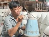 Antique pottery keeps the tourists