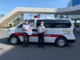 Tặng 2 xe cứu thương cho Trung tâm Y tế TX.Tân Uyên và TP.Thủ Dầu Một