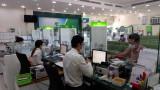 Hệ thống ngân hàng tập trung hỗ trợ khách hàng vượt khó