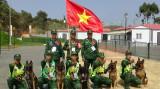 """2021年国际军事比赛:越南参赛队获得""""忠诚朋友""""项目团体射击赛银牌"""