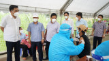 Tiêm vắc xin nhanh và an toàn cho người dân