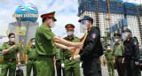 公安部副部长检查、鼓励和表彰平阳检疫站的工作者