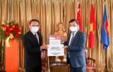 Tiếp nhận hàng hỗ trợ Việt Nam chống dịch COVID-19 từ Quỹ Temasek