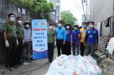 Đoàn Thanh niên Công an tỉnh Bình Dương phối hợp trao hàng ngàn phần quà cho người dân khó khăn