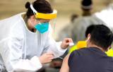 Dịch COVID-19: Các nước châu Á tăng tốc trên đường đua tiêm chủng