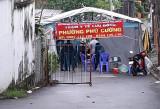 Lập trạm y tế lưu động, khống chế chùm ca bệnh mới tại phường Phú Cường