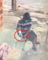 Bắt đối tượng trộm điện thoại của cán bộ trực chốt kiểm dịch