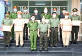 Công an huyện Bàu Bàng: Nhiều cá nhân được khen thưởng đột xuất