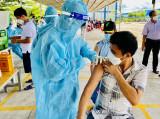100% công nhân Cụm công nghiệp Phú Chánh đã được tiêm 2 mũi vắc xin phòng Covid-19