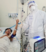 Bình Dương áp dụng thành công phương pháp thay huyết tương cho bệnh nhân Covid-19